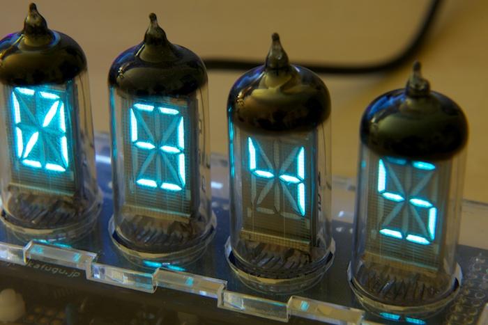 Nixie, Numitrons, VFD Iv-17-vfd-clock-1