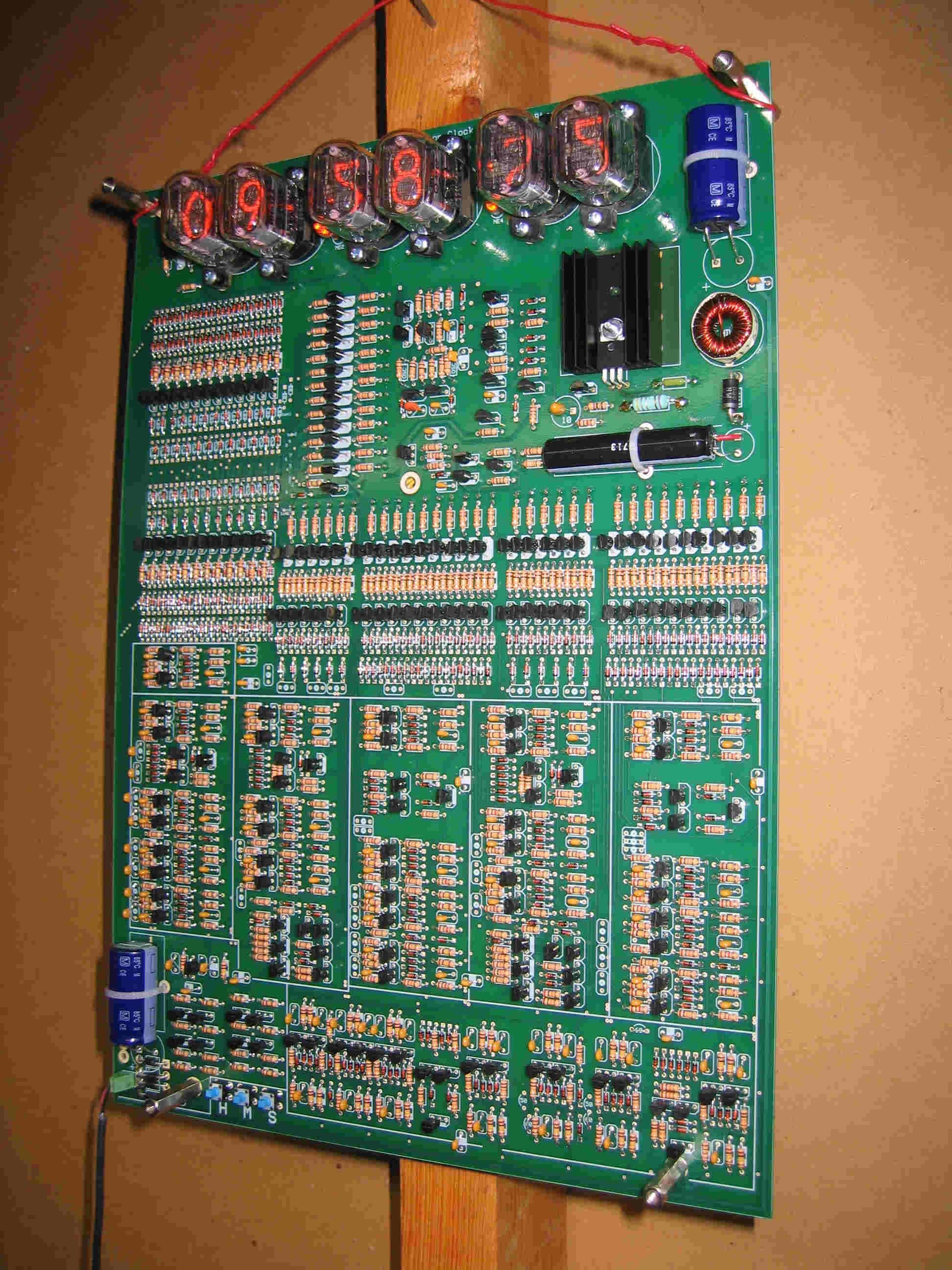 TransistorclockSmaller.jpg